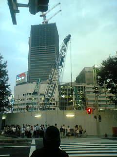 名駅周辺は再開発中です。