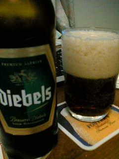 【写真】グラスに注がれたディーベルス