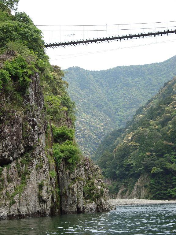 【写真】巨岩の連なる瀞峡