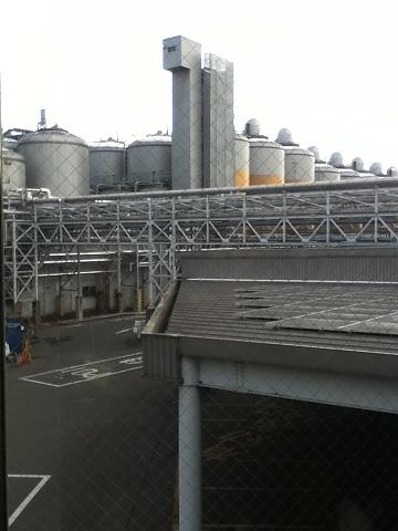 【写真】ジョッキを模した工場