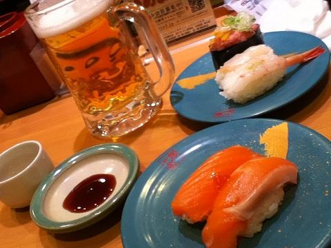 【写真】夜に入った回転寿司