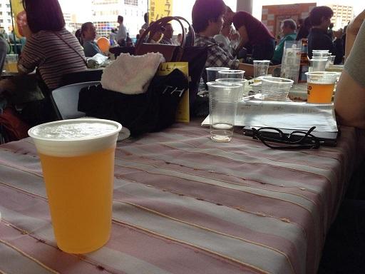 【写真】1杯500円で提供されるクラフトビール。