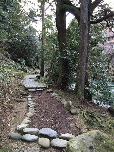 【写真】鶴仙渓の遊歩道
