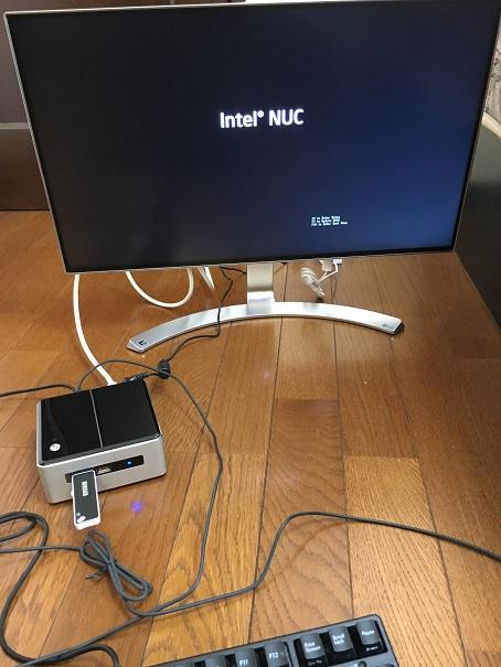 【写真】NUCのBIOS起動画面