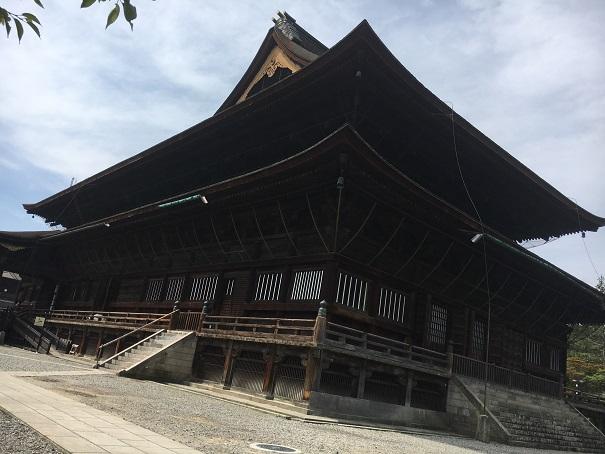 【写真】善光寺の本堂