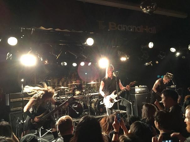 【写真】Ensiferumのステージ