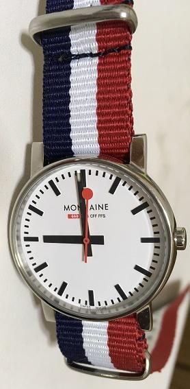 【写真】バンド交換後の腕時計