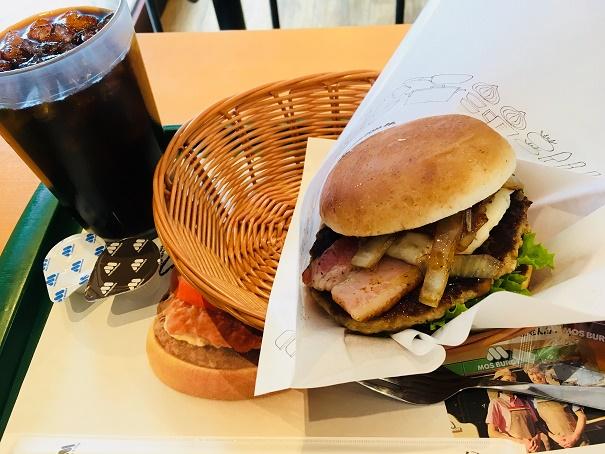 【写真】モスのとびきりハンバーグサンド薫るベーコン&クリーミーポテト