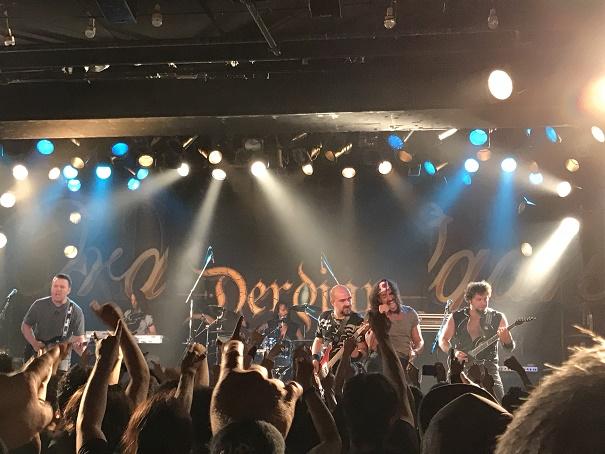 【写真】Derdianのステージ