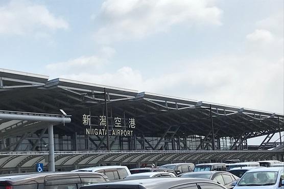 【写真】新潟空港の入り口