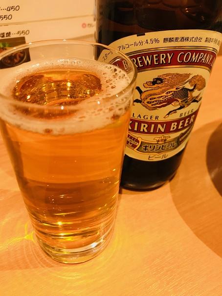 【写真】串揚げ屋でキリンの瓶ビール
